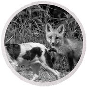 On The Scent Monochrome Round Beach Towel
