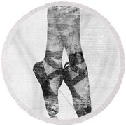On Tippie Toes In Black And White Round Beach Towel by Nikki Marie Smith