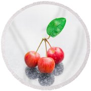 One Leaf Three Crapapples Round Beach Towel