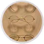 Optometrist - Simple Gold Frames Round Beach Towel