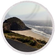 Oregon Coast And Fog Round Beach Towel