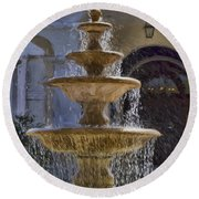 Ormond Water Fountain Round Beach Towel