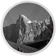 1m3621-bw-outlier Of  Mt. Murchison  Round Beach Towel