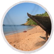 Outrigger On Cola Beach Round Beach Towel