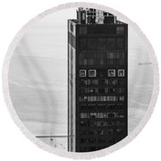 Outside Looking In - Willis Tower Chicago Round Beach Towel