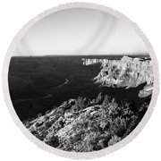 Overlooking The Canyon Round Beach Towel