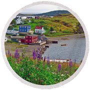 Overlooking Trinity-nl Round Beach Towel