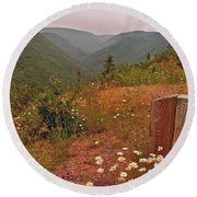 Ox-eye Daisies On Skyline Trail In Cape Breton Highlands Np-ns Round Beach Towel
