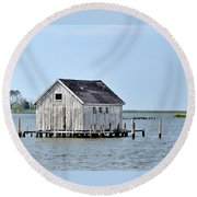 Oyster Shucking Shed Round Beach Towel