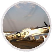 P-51 Mustang Fighter Aircraft Round Beach Towel