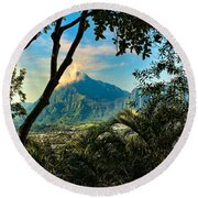 Pali Lookout For Puu Alii Round Beach Towel