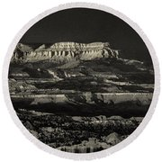 Panorama Bryce Canyon Storm In Black And White Round Beach Towel