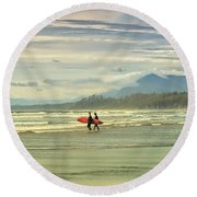 Panoramic Of Surfers On Long Beach, Bc Round Beach Towel