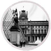 Paris Black And White Photography - Louvre Museum Pyramid Black White Architecture Landmark Round Beach Towel