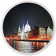 Parliament And The Danube Round Beach Towel