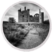 Path To Kilchurn Castle Round Beach Towel