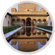 Patio De Los Arrayanes La Alhambra Round Beach Towel