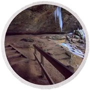 Pato To Ash Cave In Winter Round Beach Towel