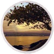 Peaceful Sundown On Hilo Bay - Hawaii Round Beach Towel