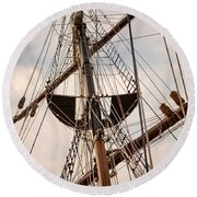 Peacemaker Rigging Round Beach Towel