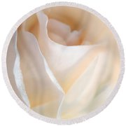 Peaches And Cream Rose Flower Round Beach Towel