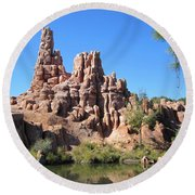 Peak And Valley Round Beach Towel