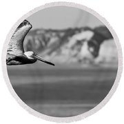 Pelican In Black And White Round Beach Towel