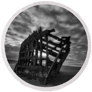 Peter Iredale Shipwreck Black And White Round Beach Towel