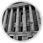 Philadelphia Museum Of Art - West Entrance Round Beach Towel