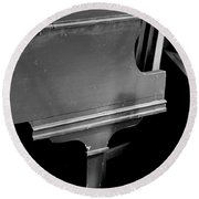 Piano In Black And White Round Beach Towel