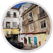 Picturesque Houses In Lisbon Round Beach Towel