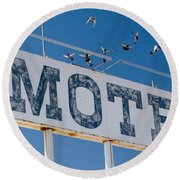Pigeon Roost Motel Sign Round Beach Towel