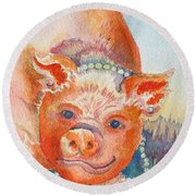 Piggy In Pearls Round Beach Towel