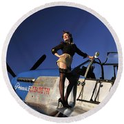 Pin-up Girl Standing On The Wing Round Beach Towel