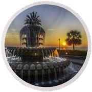 Pinapple Fountain Charleston Sc Sunrise Round Beach Towel