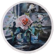 Pink And White Roses In Silver Mug Round Beach Towel