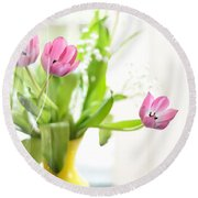 Pink Tulips In Yellow Vase Round Beach Towel
