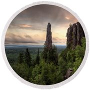 Pinnacles The Dorion Tower Round Beach Towel