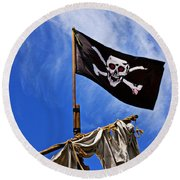 Pirate Flag On Ships Mast Round Beach Towel