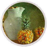Pitcher With Pineapples Round Beach Towel
