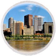 Pittsburgh Pa In The Spotlight Round Beach Towel