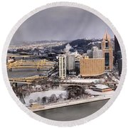 Pittsburgh's First Snow Of 2015 Round Beach Towel
