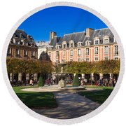 Place Des Vosges Paris Round Beach Towel