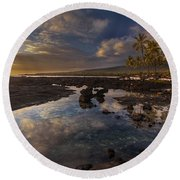 Place Of Refuge Sunset Reflection Round Beach Towel