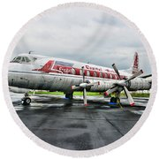 Plane Props On Capital Airlines Round Beach Towel