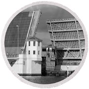 Platt Street Bridge Opening Round Beach Towel by David Lee Thompson