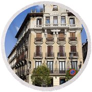Plaza De Ramales Tenement House Round Beach Towel