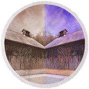 Pleasant View Country Barns Round Beach Towel