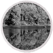 Poinsett State Park In Black And White Round Beach Towel