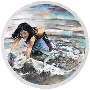 Polynesian Child Playing With Water Round Beach Towel